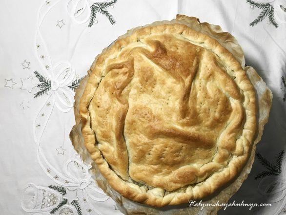 Солёный пирог с радиккьо салями и сыром Страккино