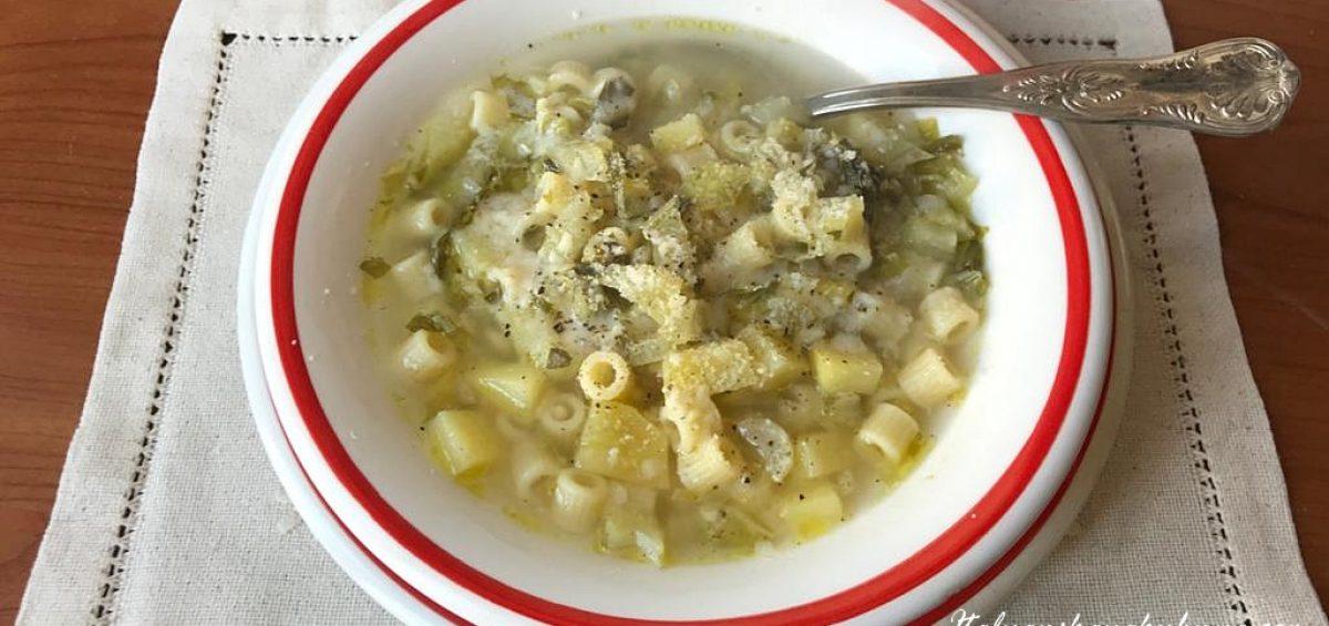 Суп минестра из листьев цветной капусты и картофеля